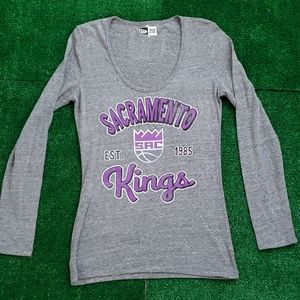 Brand New!! Women's New Era Kings Shirt sz: M